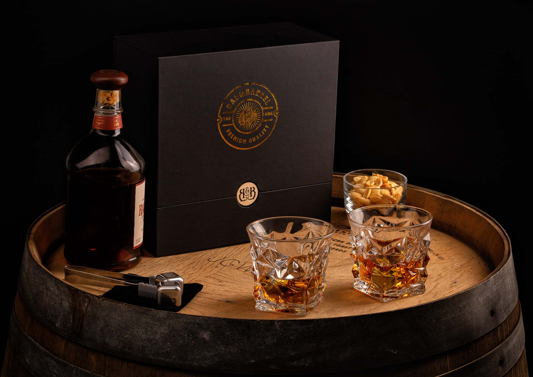 Bar&Barrel Whisky Cup Duos detailed over barrel - Lifestyle photo for advertising and amazon