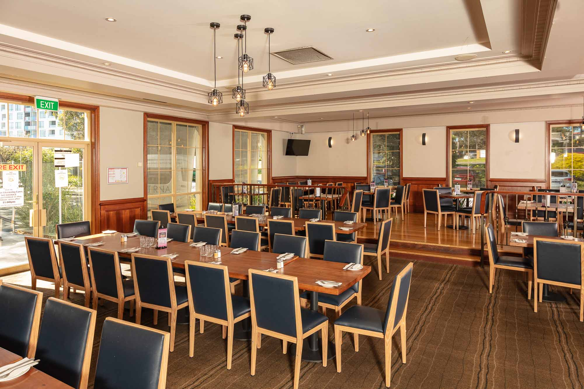 Commercial photography sample - Wantirna Club Bristro wide view