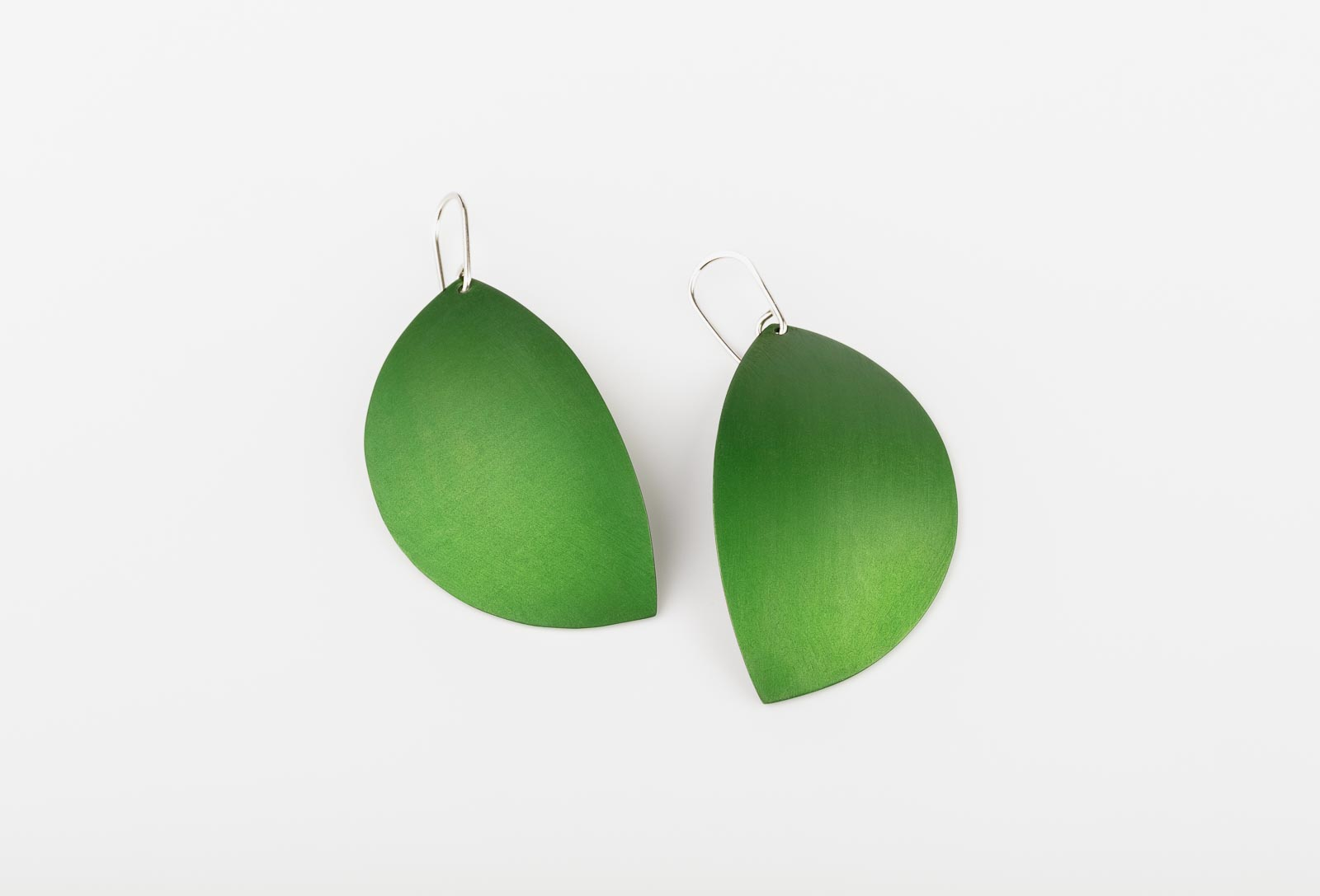 Kalinowski 2019 Collection Green leaves earrings