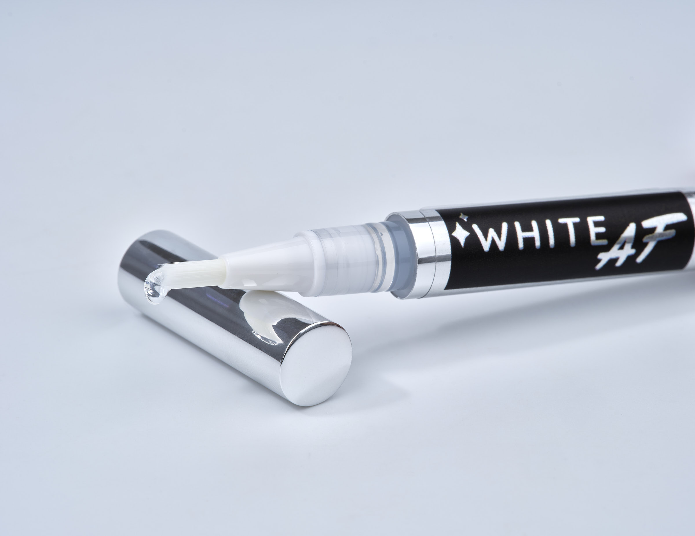 White AF travel pen Advertising product photography